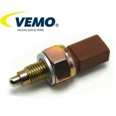Датчик задна скорост 02T945415P Vemo